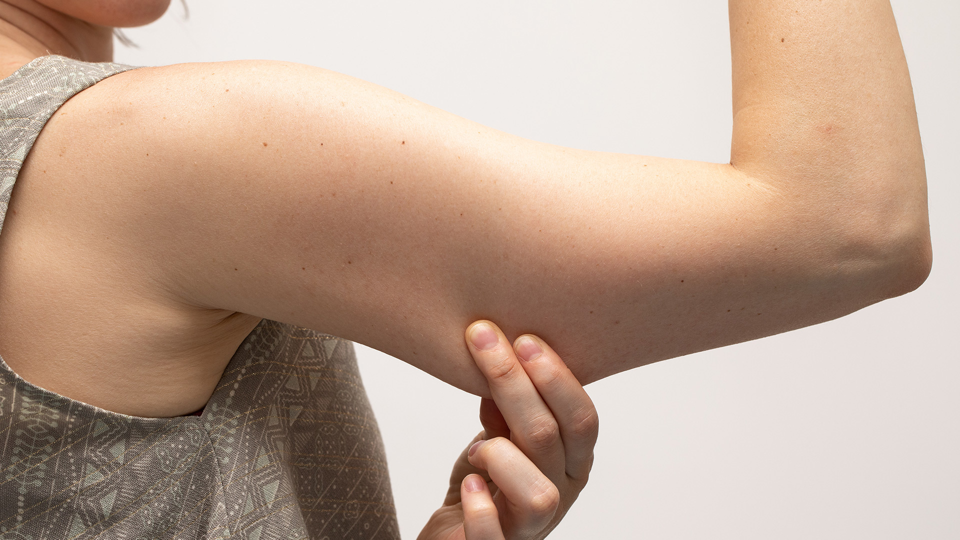 Recuperare tonicità: i rimedi per rassodare le braccia flaccide.