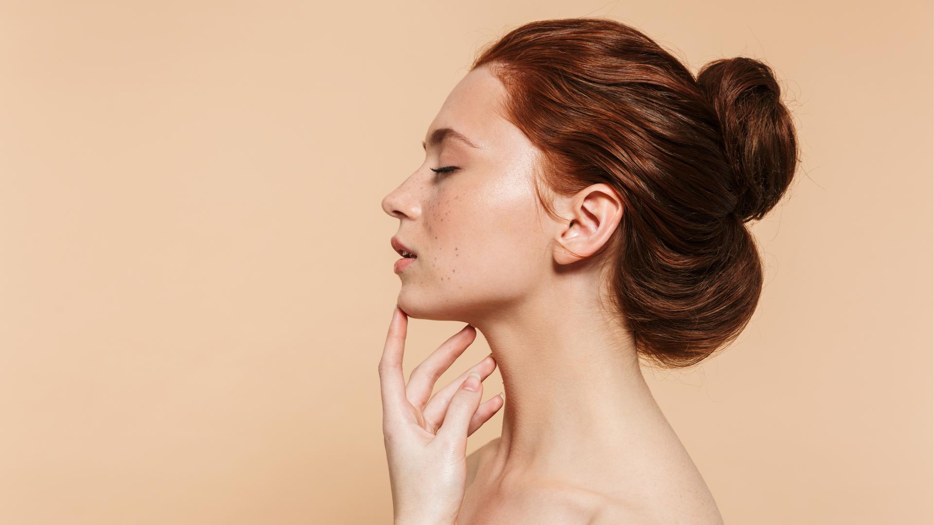 Trattamenti di acido ialuronico per la pelle del viso: una soluzione per ogni esigenza di bellezza.