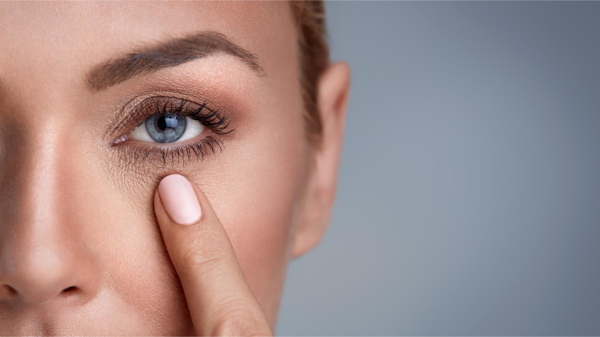 Tutti i segreti del trattamento occhi con iniezioni a base di acido ialuronico.